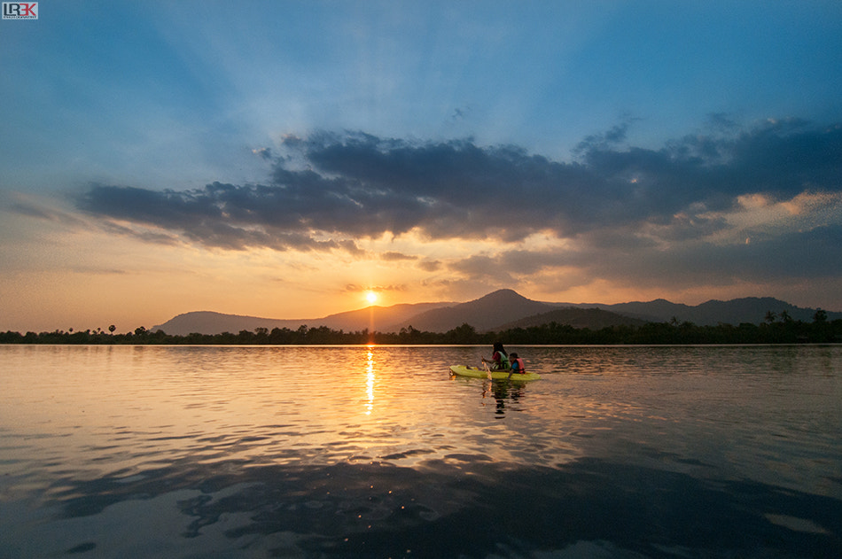 Photograph Lady and her son kayaking during sunset by Lord Robin3K on 500px