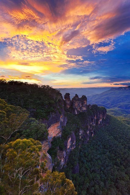Photograph Three Sisters, New South Wales by Alexander Hare on 500px