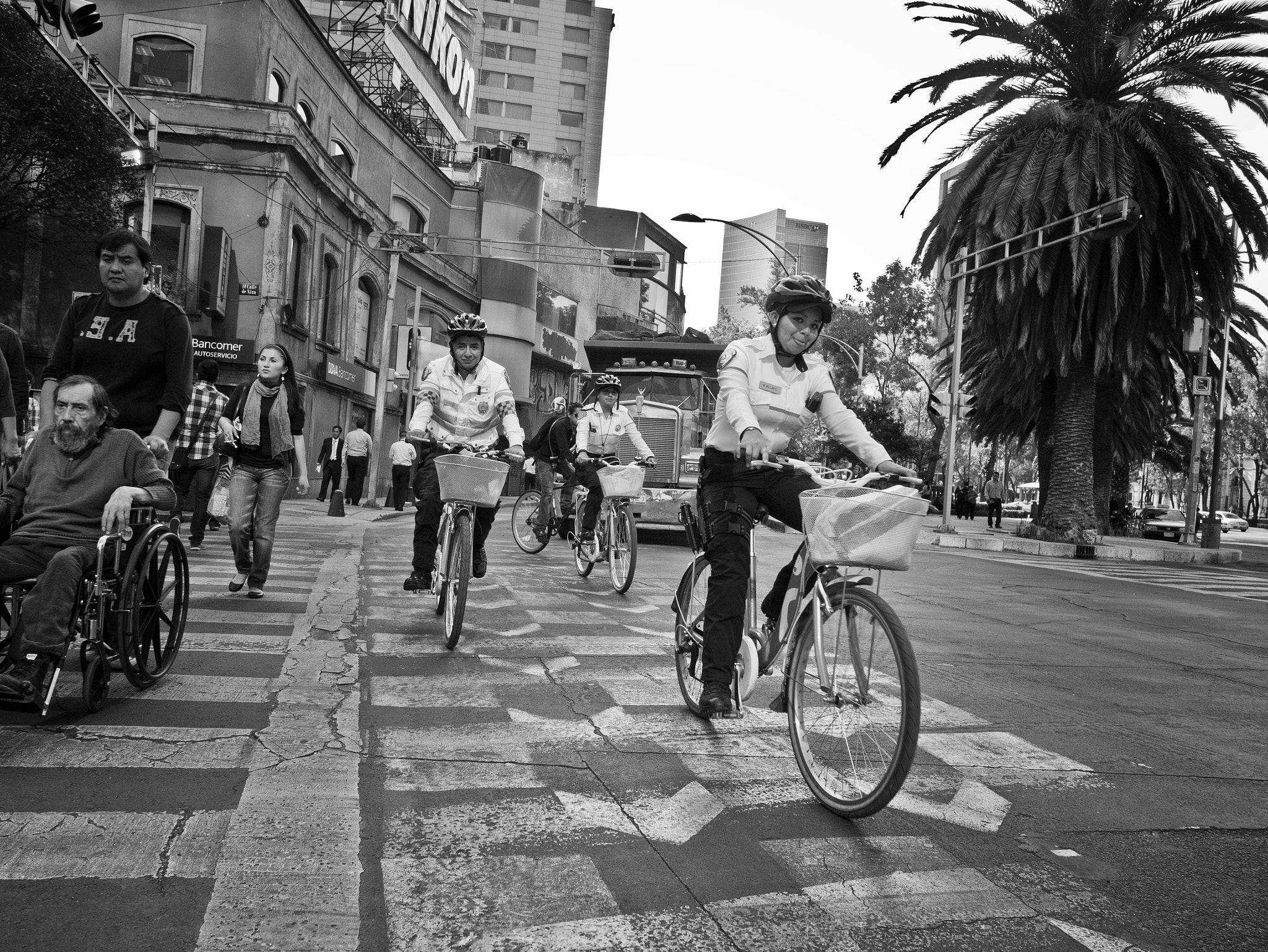 Photograph Two wheel police by Gustavo Mondragon on 500px