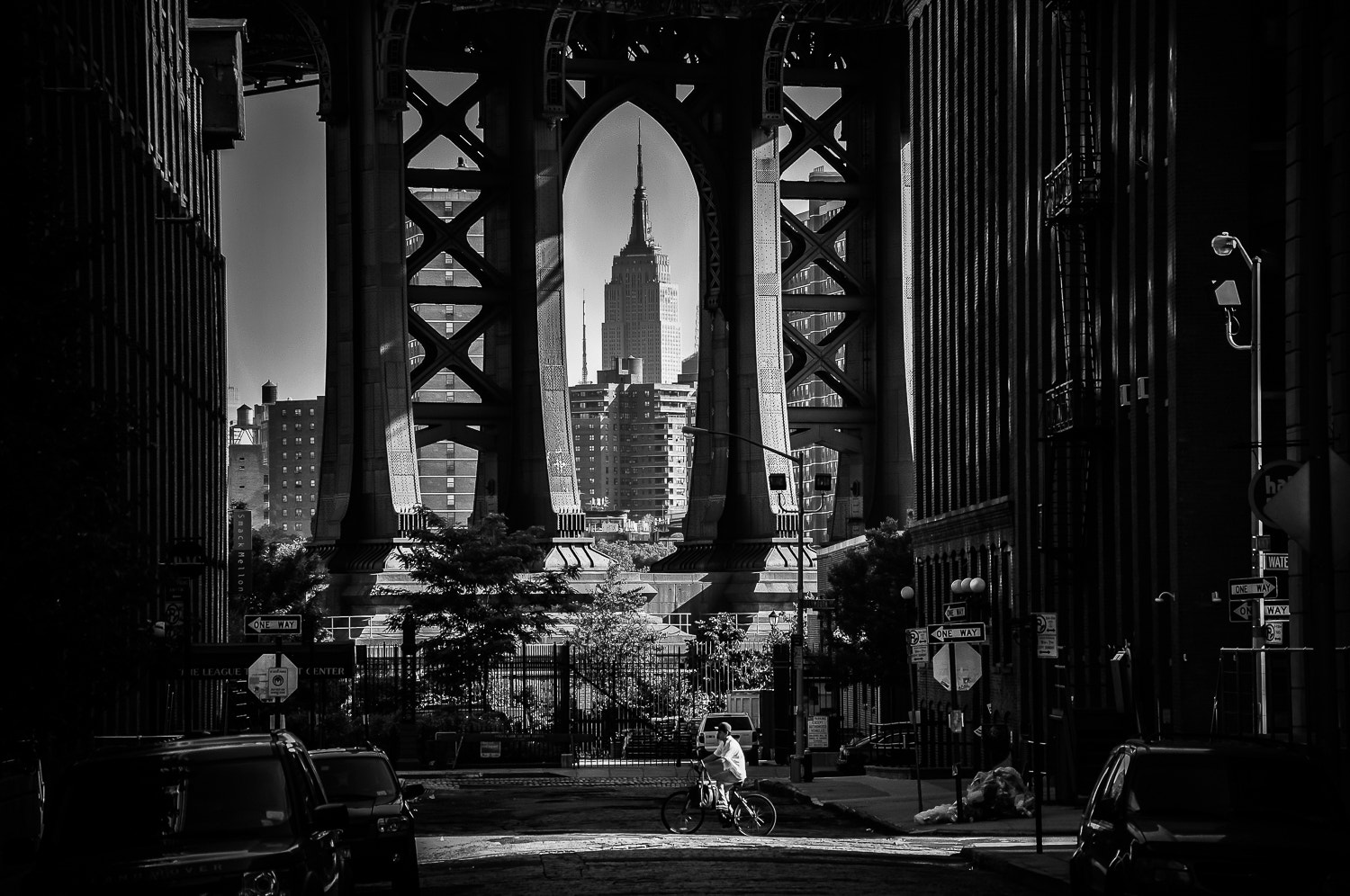 Photograph The delivery guy in DUMBO, Brooklyn by Guillaume Gaudet on 500px