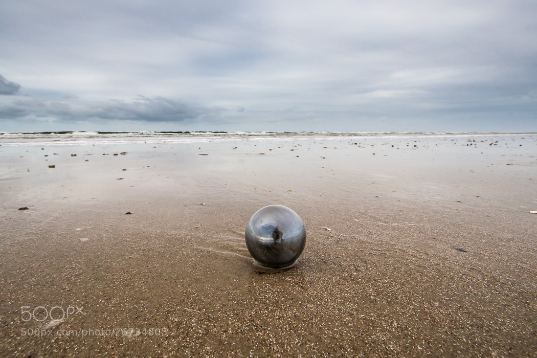 Photograph mirrored thing at the beach by Jens  on 500px