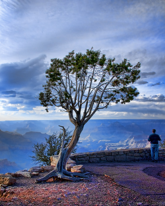 Photograph Standing on the Edge of the Imponderable by Lee Daniels on 500px