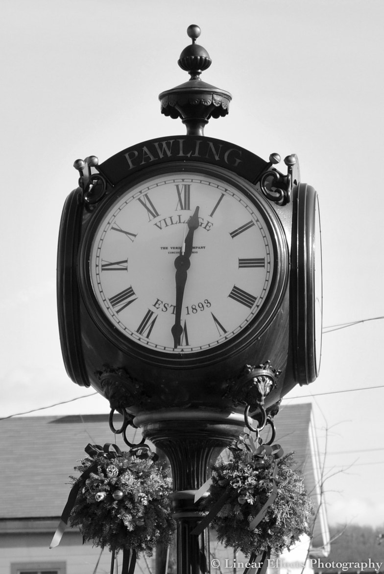 Photograph Town clock by Dorota Mikula @ Linear Effects on 500px