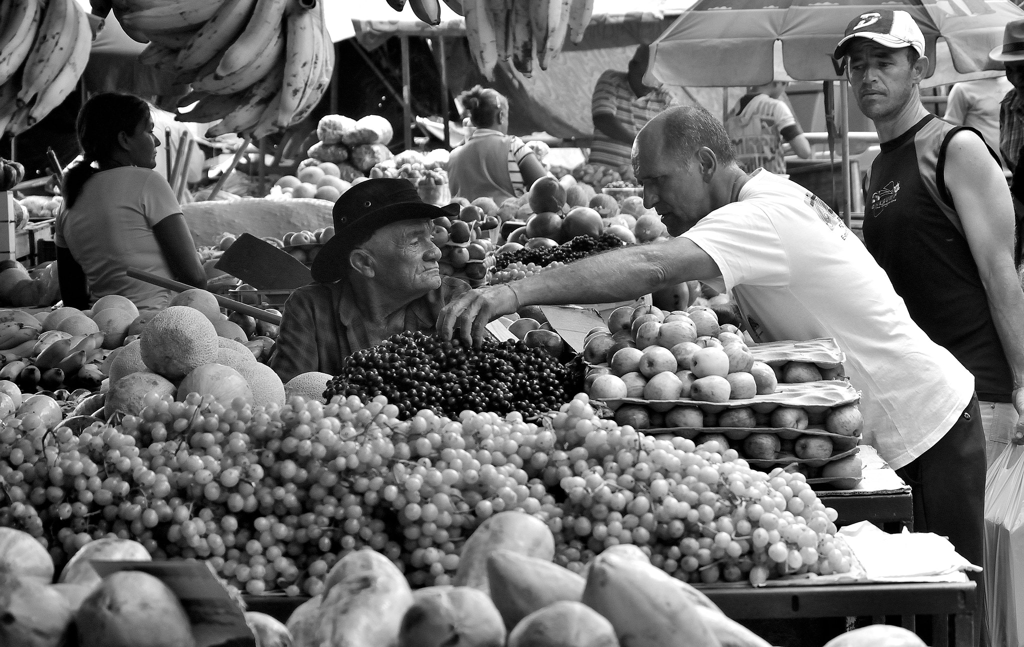 Photograph Fruit market by Helvio Silva on 500px