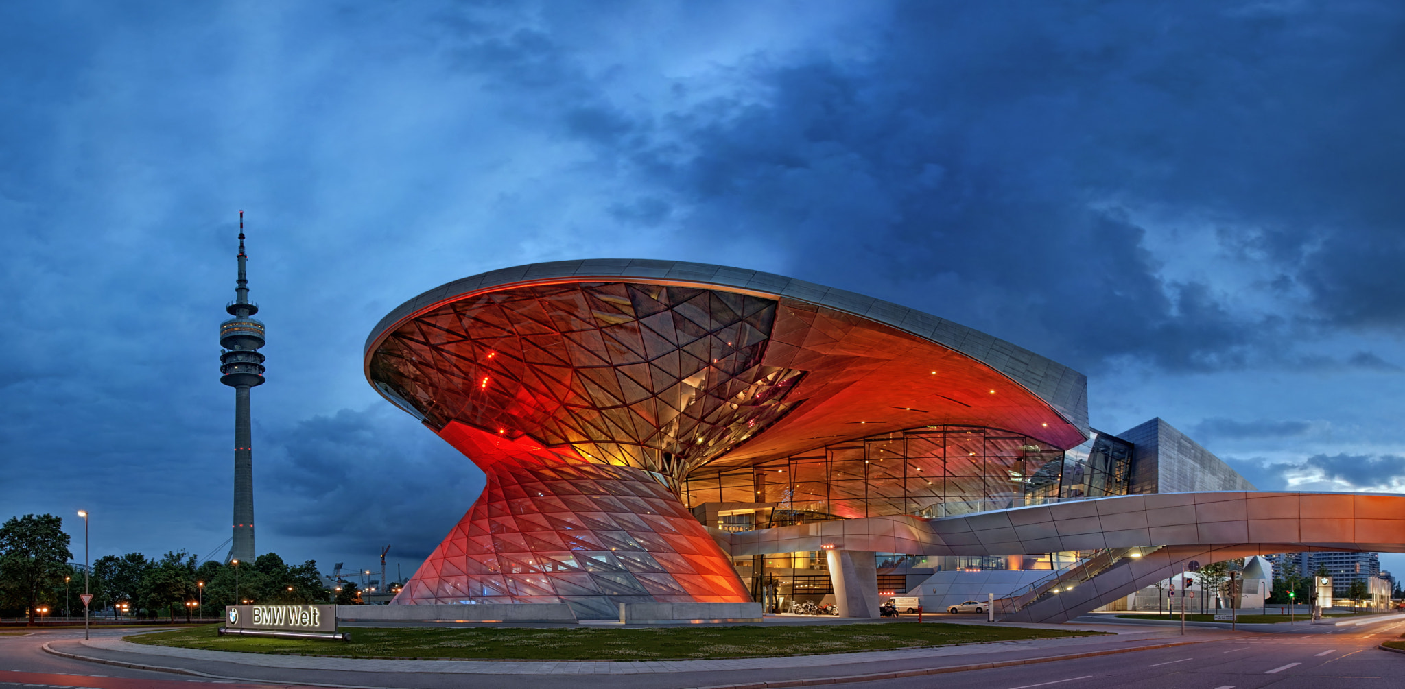 Photograph BMW Welt by Birgit Pittelkow on 500px