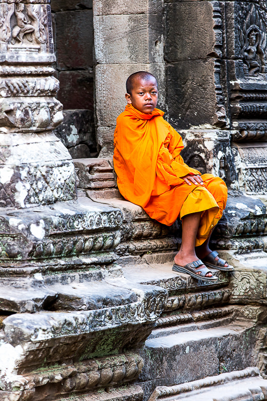 Photograph Jeune moine - Temple à Angkor by Muriel Auvray on 500px