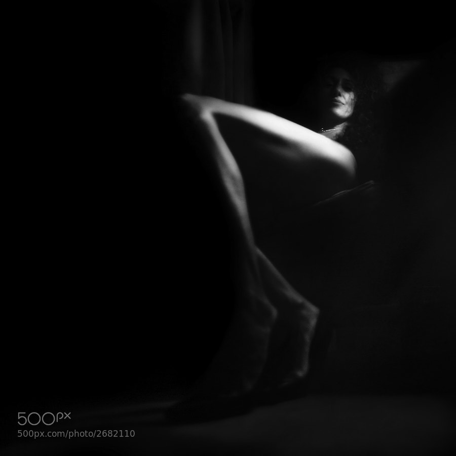 legs photo - Untitled#2 by Betina La Plante