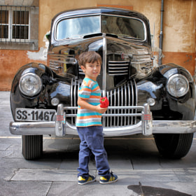 Old car, young boy and red pepper by José Carlos González on 500px.com