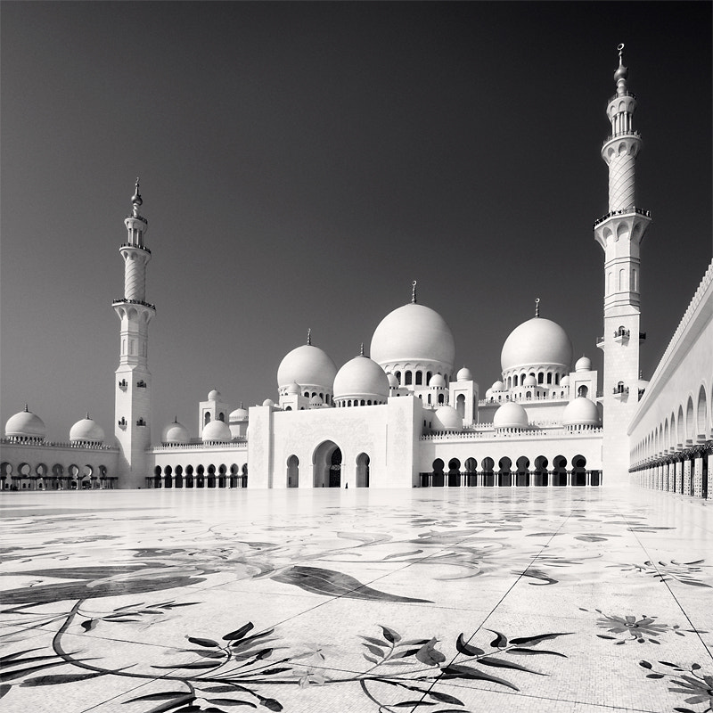 Photograph Sheikh Zayed Mosque IV, U.A.E 2011 by Ronny Ritschel on 500px
