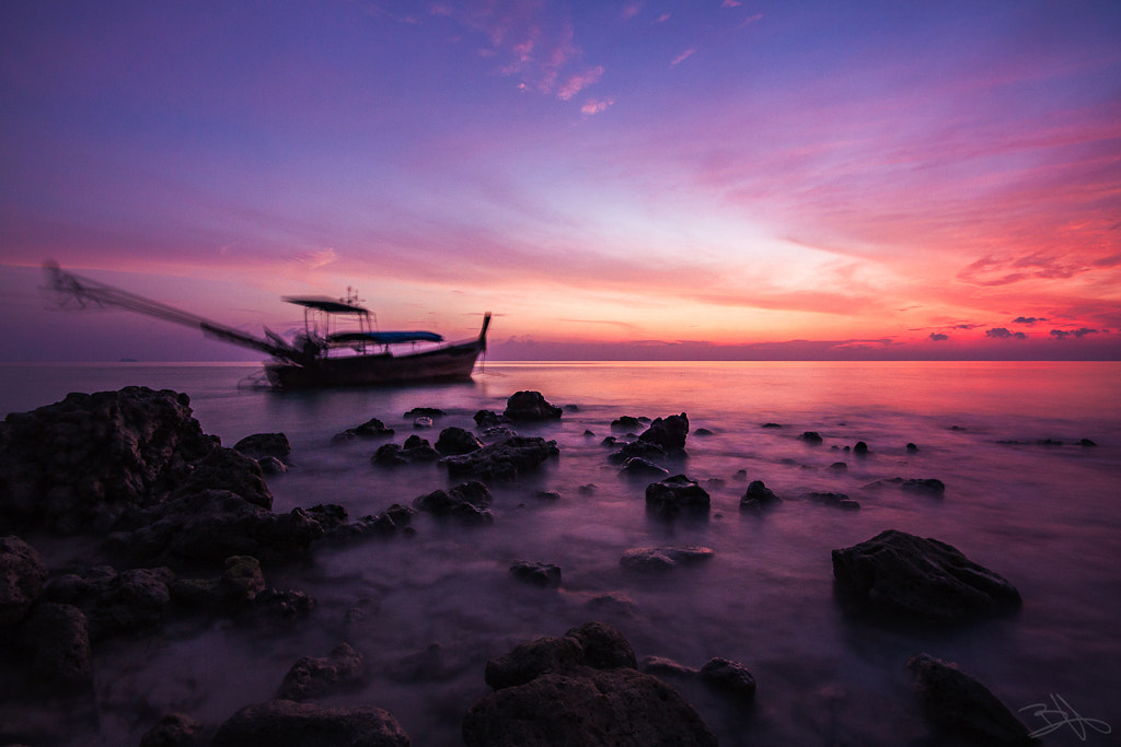Photograph Sunrise on Ko Phi Phi by Bastien HAJDUK on 500px