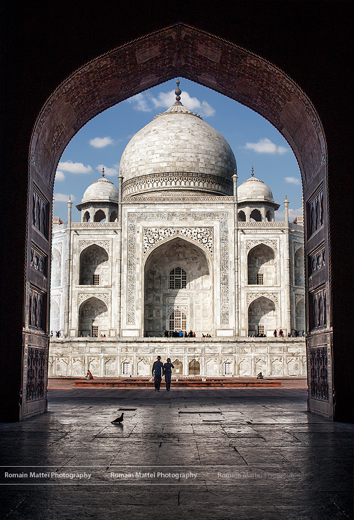 Photograph A Pigeon, a couple and The Taj by Romain Matteï on 500px