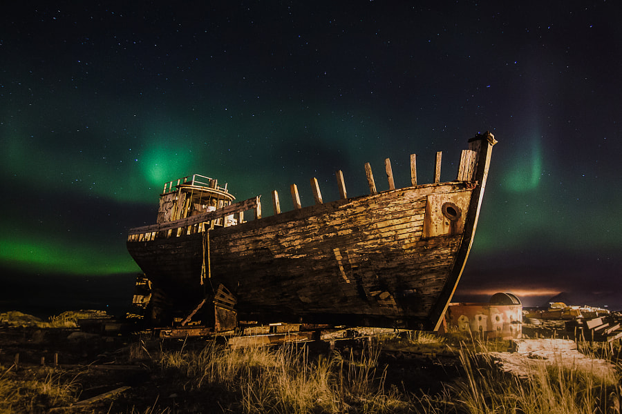 Ship&Aurora by Norbert Nawrocki on 500px.com