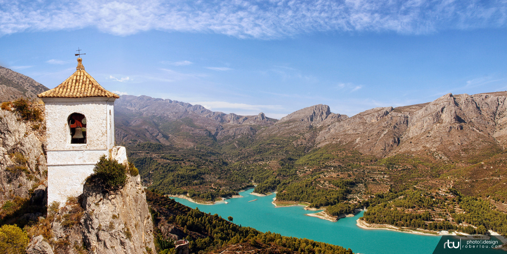 Photograph Lago Guadalest Alicante by Rober Lou on 500px