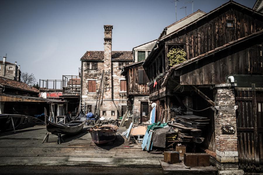 Old gondole