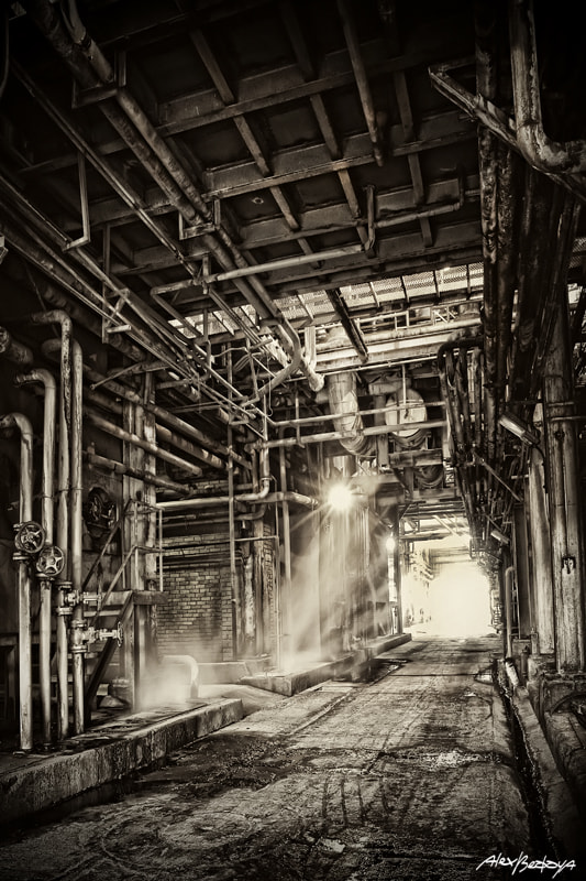 Photograph Vieja fabrica - Old Factory by Alex Bedoya on 500px