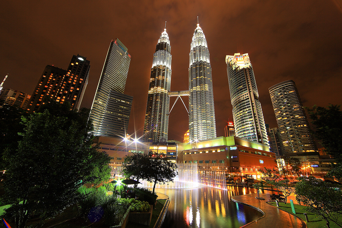 Photograph Twin tower by Suttipon Thanarakpong on 500px