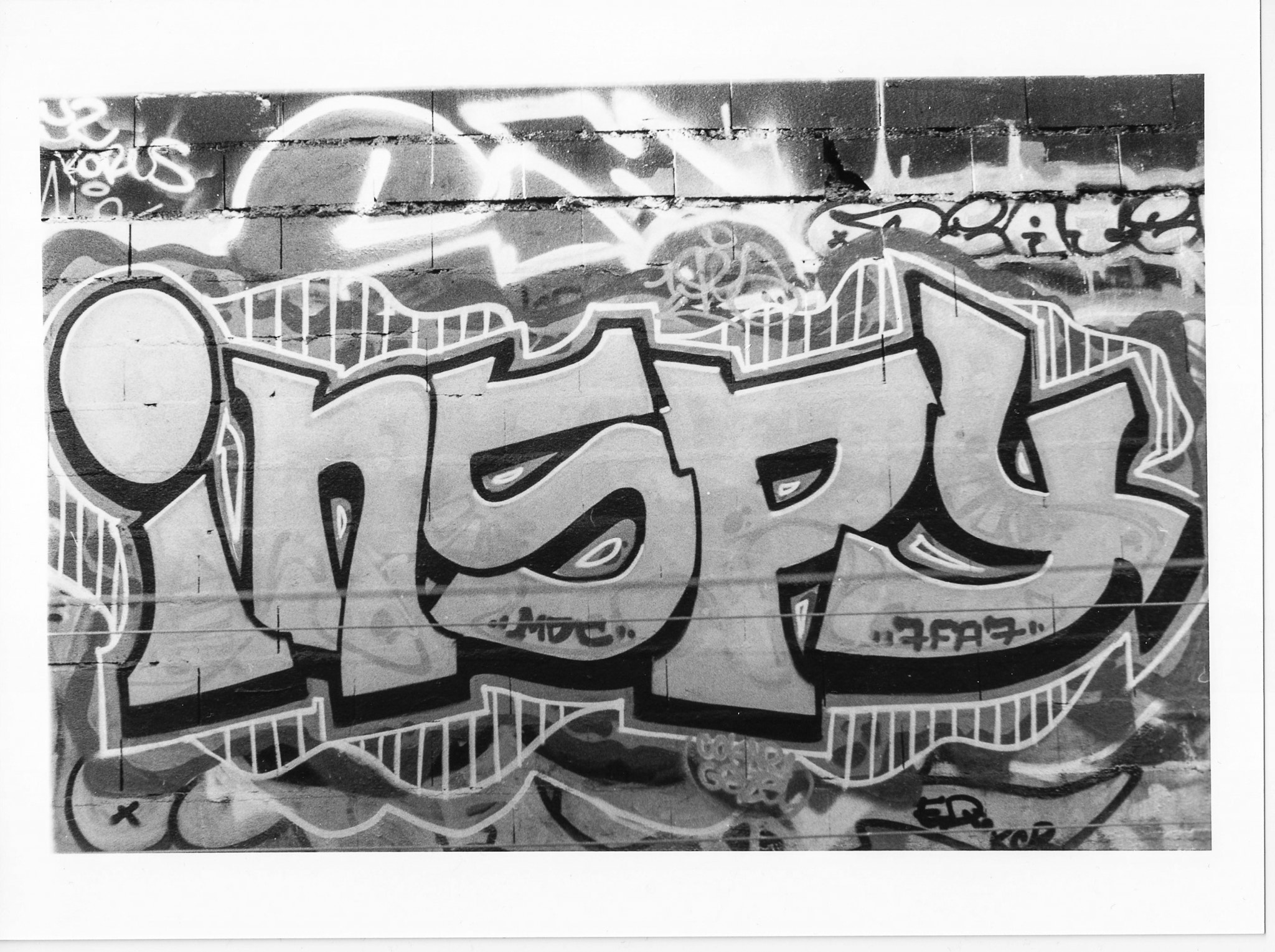 Photograph Film photography - graffiti by Manu Garcia on 500px