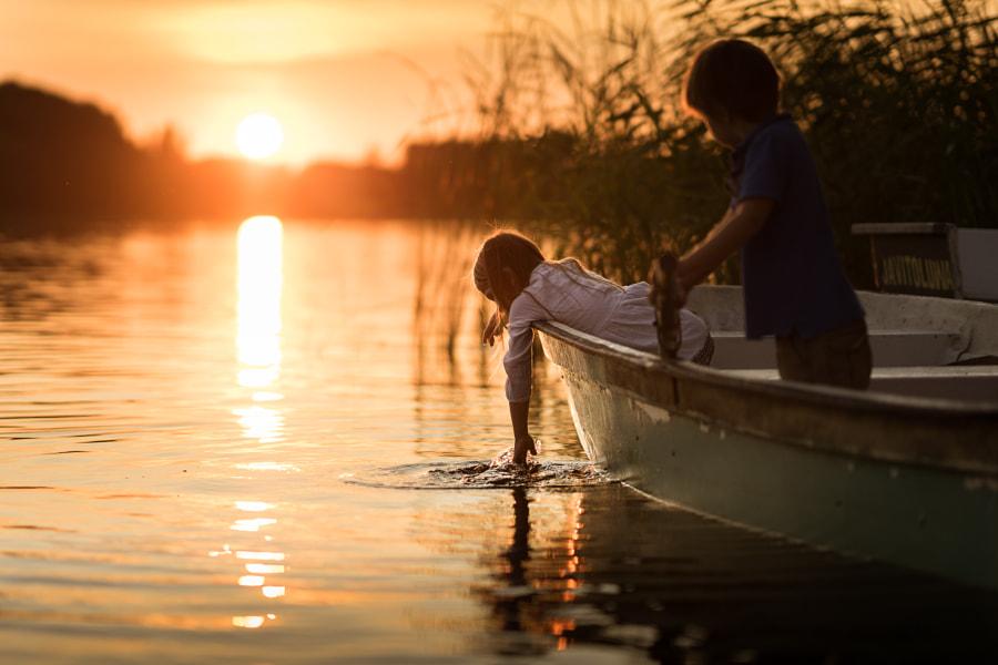 fire and water (boat trip), автор — Iwona Podlasińska на 500px.com