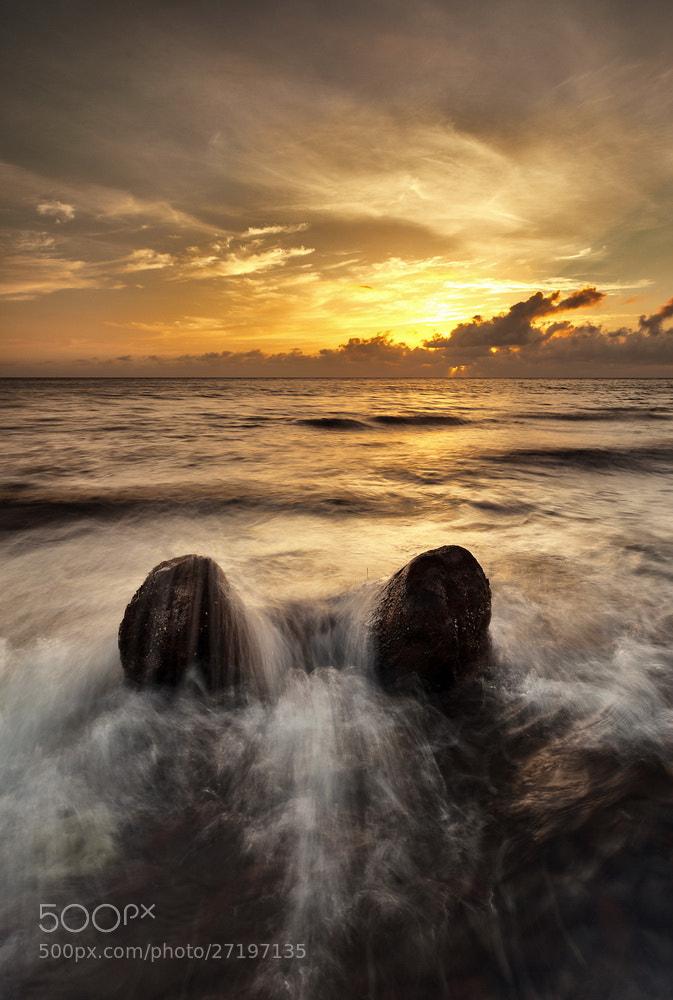 Photograph Senja di Pantai Jambula by Imam Makhdy Hassan on 500px