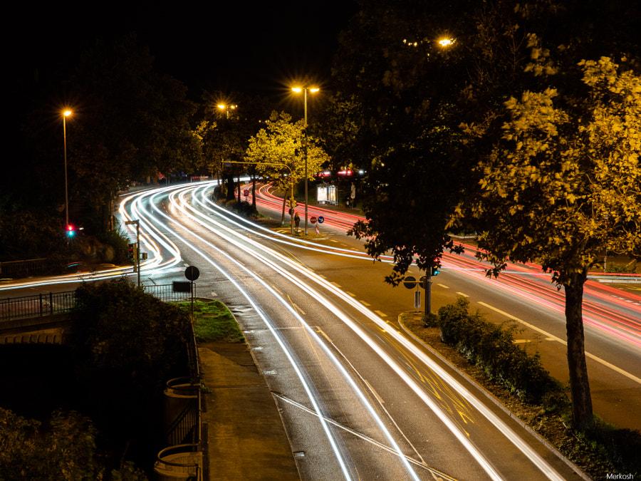 Traffic at Night von merkosh auf 500px.com