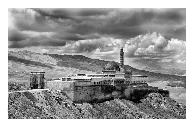 Photograph İshak Paşa Sarayı by gökhan 55 on 500px