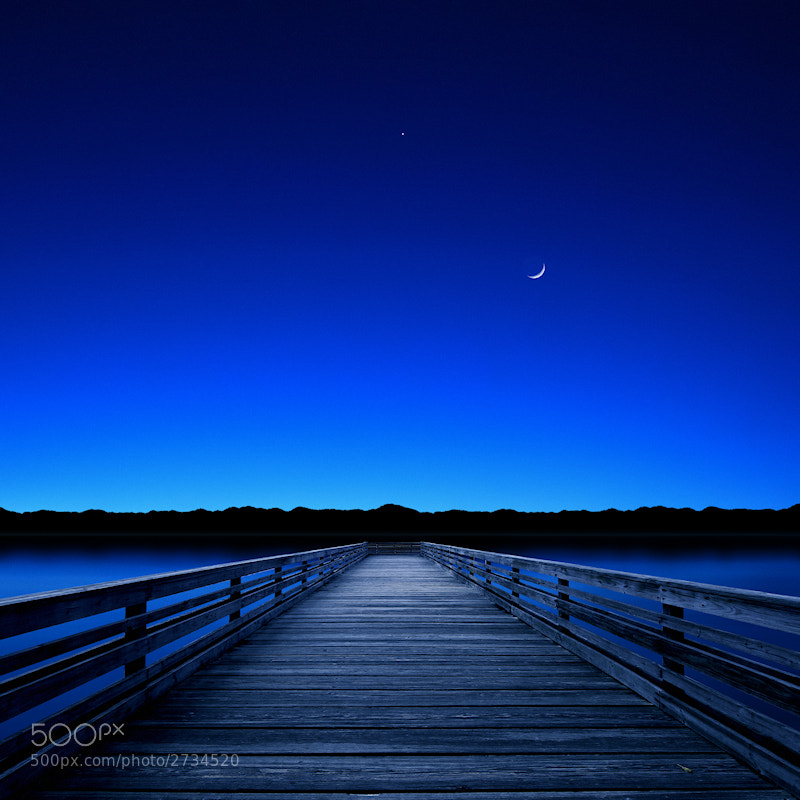 Photograph Moon and Venus in the Blue by Carlos Gotay on 500px