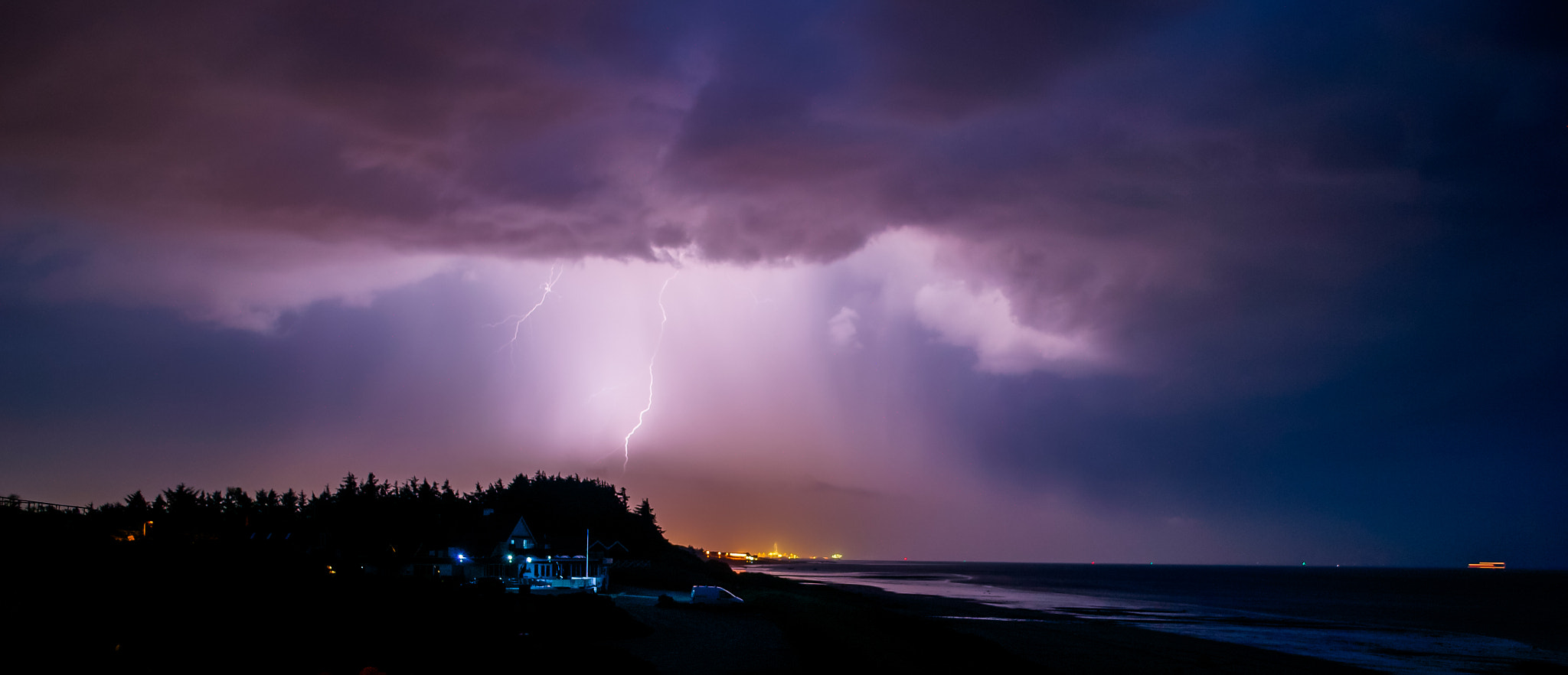 Photograph Batten down the hatches - the storm is coming by Elias Settevik on 500px