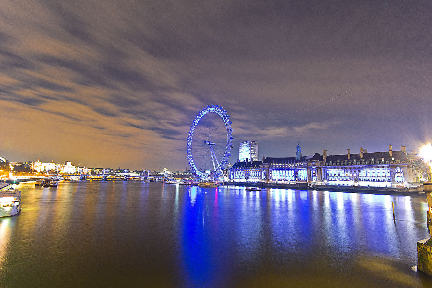 Photograph River Thames at night by Paulo Eduardo Canedo Nabas on 500px