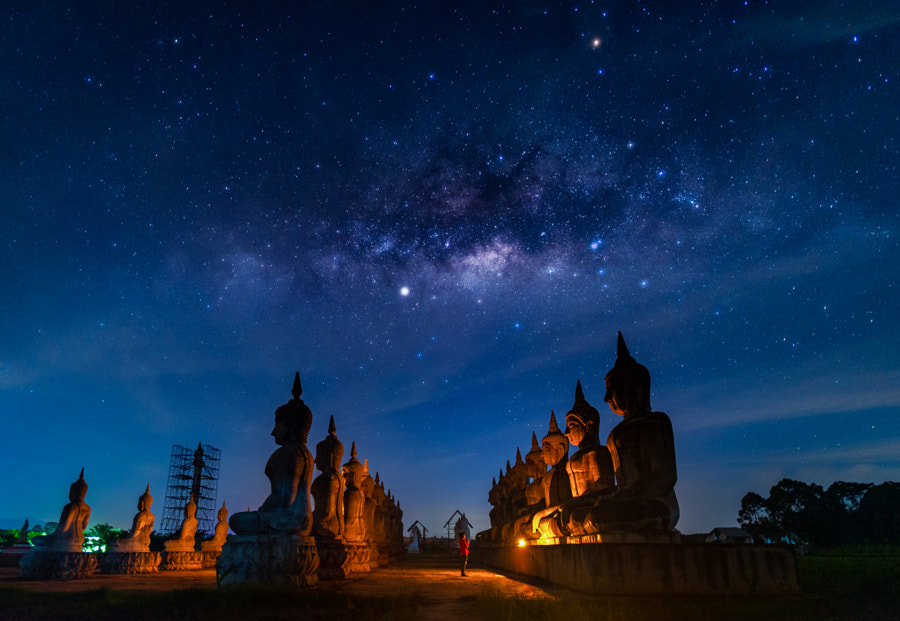Buddha statue and milky way by Vithun Khamsong on 500px.com