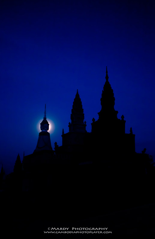 Photograph The Moon Light! by Mardy Suong Photography on 500px