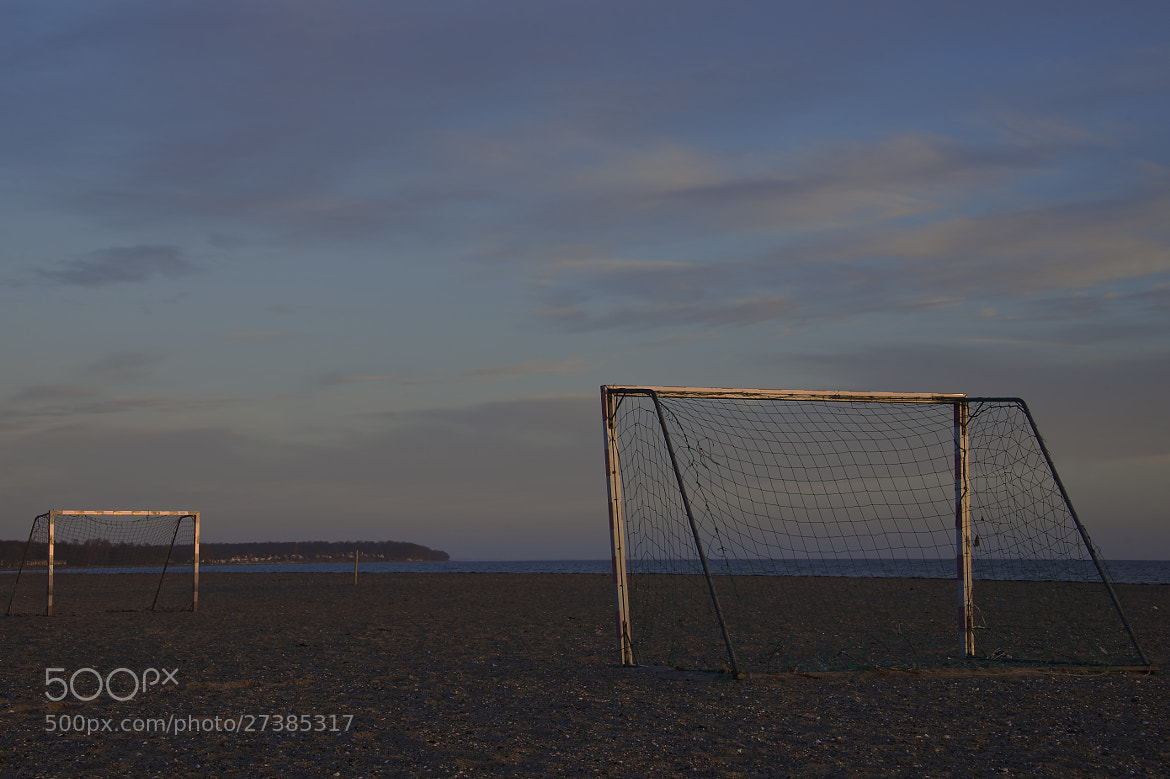 Photograph beach soccer in winter by Lars Zahner on 500px