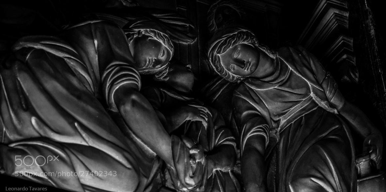 Photograph glowing by Leonardo Tavares on 500px