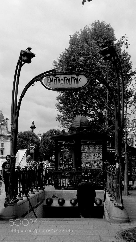 Photograph Retro Metropolitain by Laura Treglia on 500px