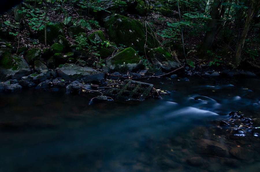 floating blue von dirk derbaum auf 500px.com