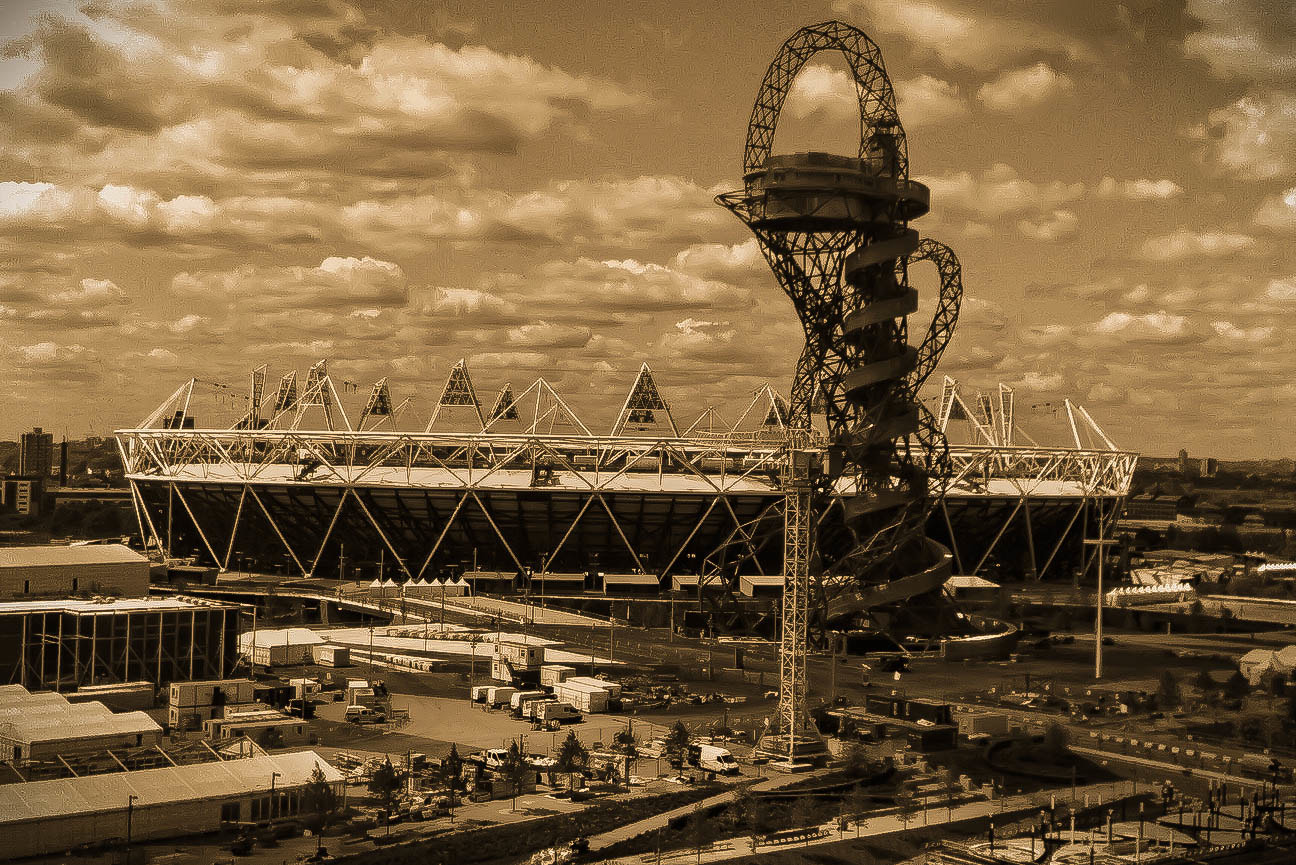 Photograph ArcelorMittal Orbit ( Olympics 2012) by Ali KoRdZaDeh on 500px