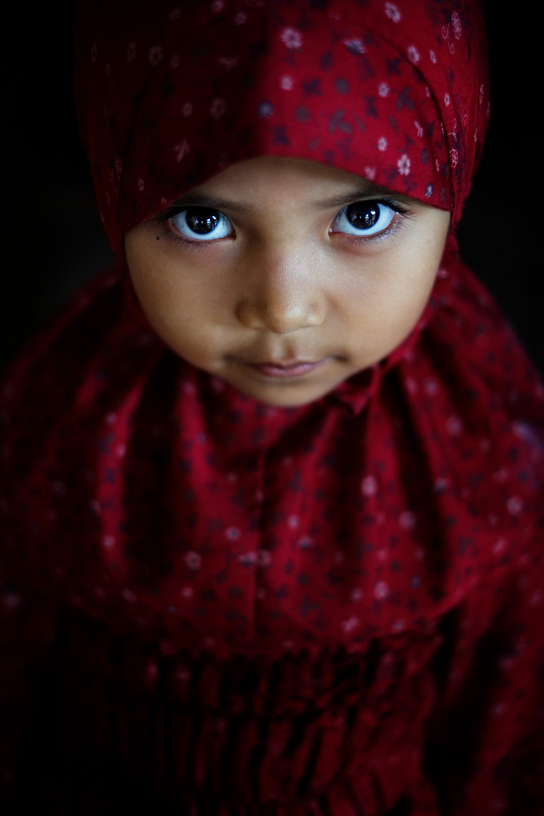 Photograph girl in red by Yaman Ibrahim on 500px
