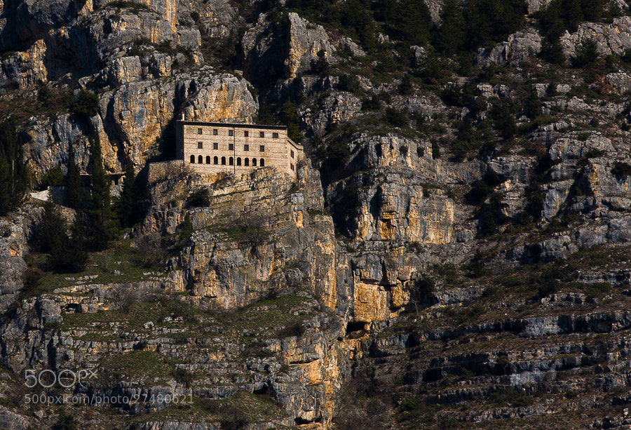 Eremo di Celestino V, chiuso dal 2009, sul monte Morrone