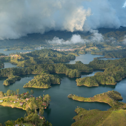 Land of a Thousand Islands