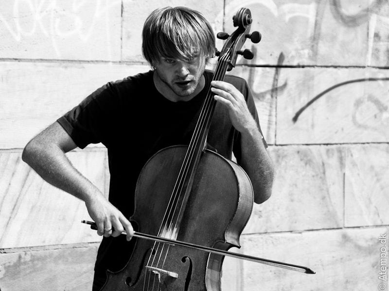Cello-ing