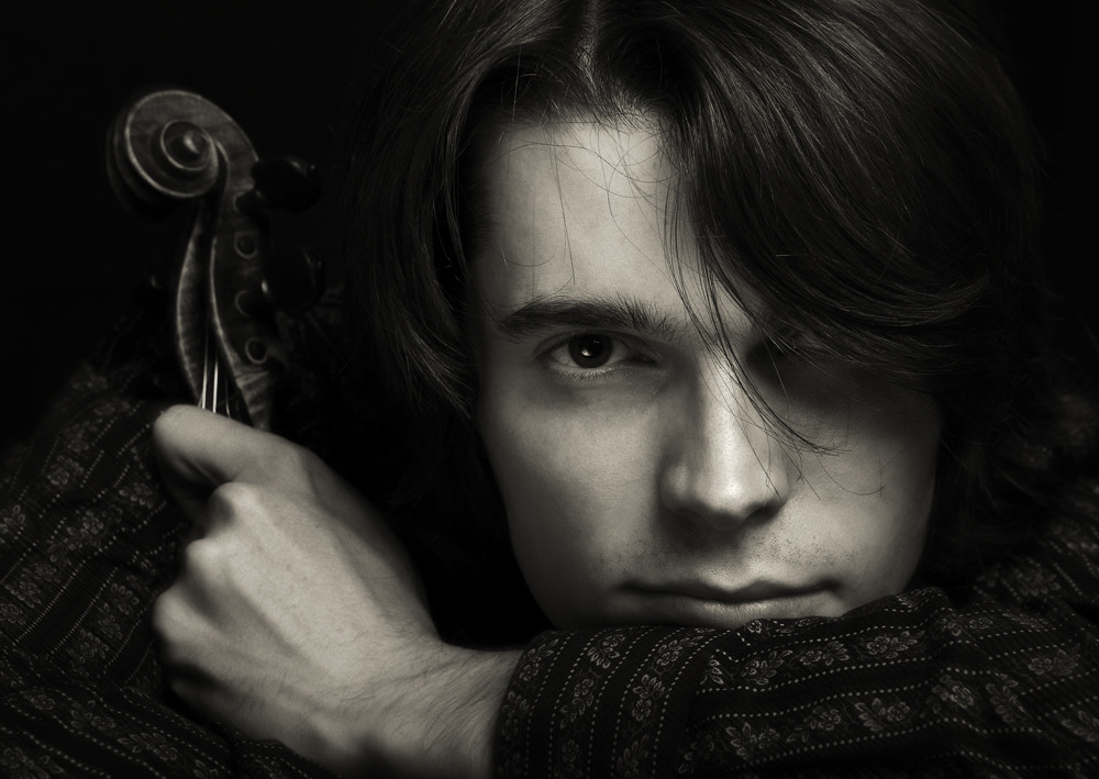 Photograph Violinist by Julian Veverica on 500px