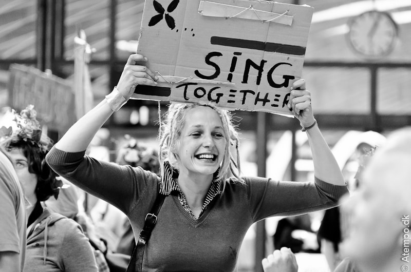 Sing together !