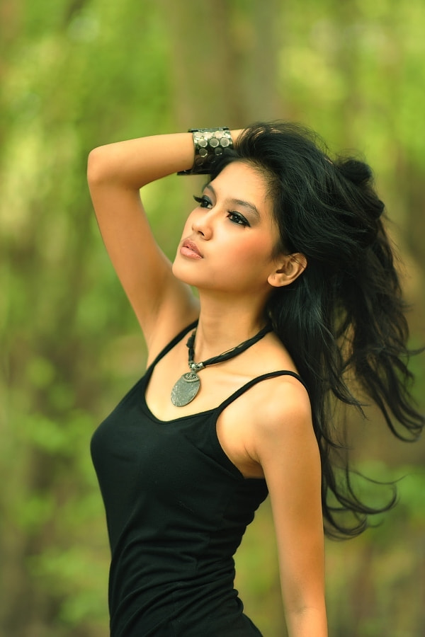 Photograph one pose for you by Maidi Irvan on 500px