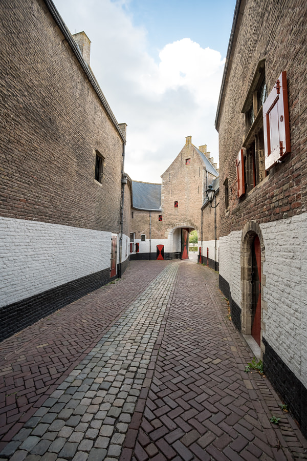 an alley in the city by Marcel Derweduwen on 500px.com