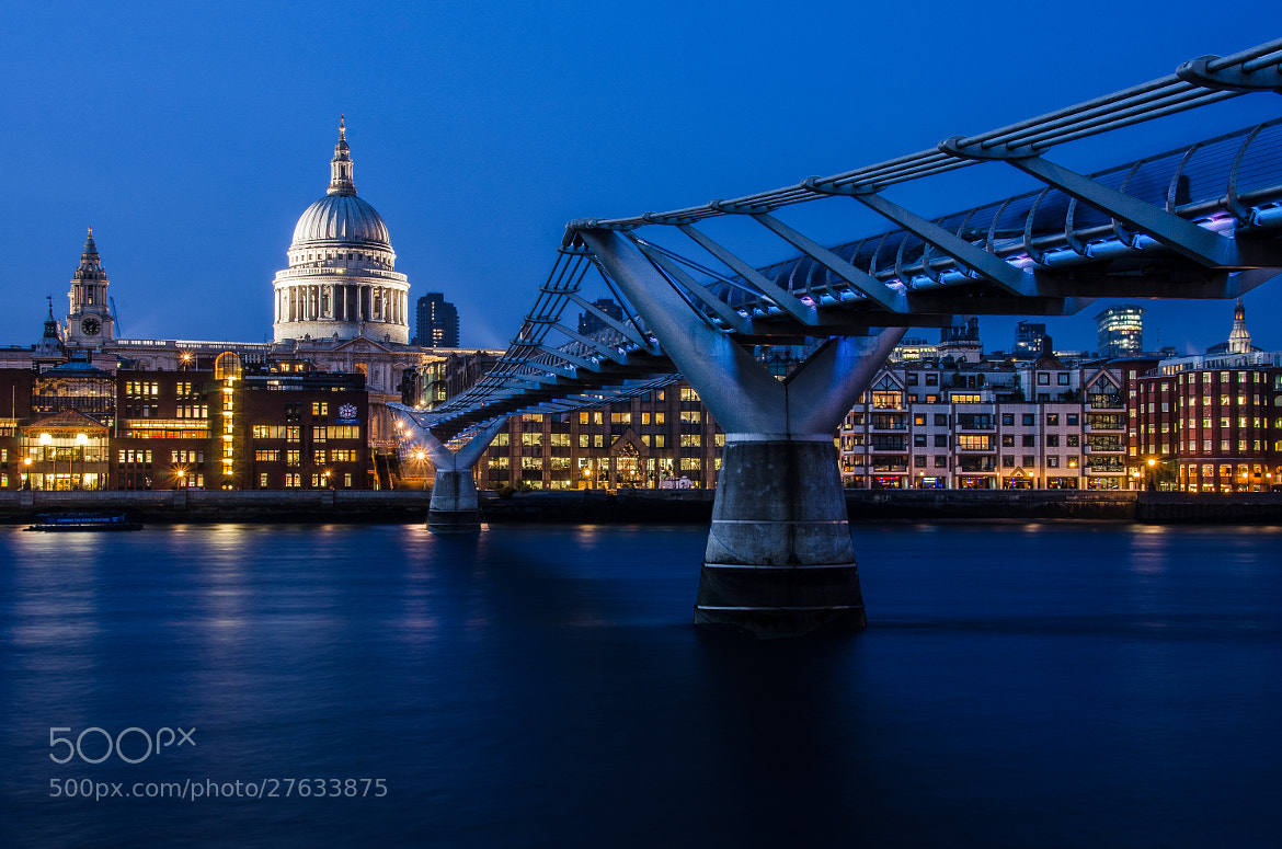 Photograph Millenium bridge by César Asensio Marco on 500px