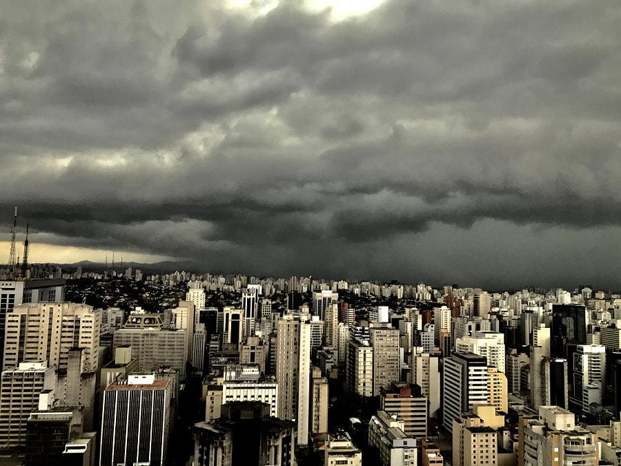 Raining, автор — Antonio Neto на 500px.com