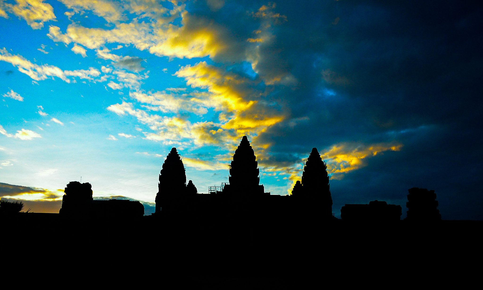Photograph Wat Angkor  by Sangesh Shrestha on 500px