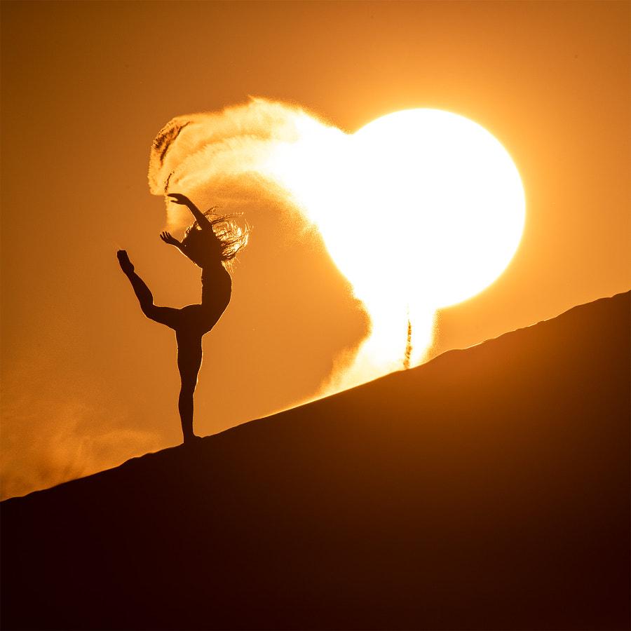 Sunrise on the sand dunes by Eric  Paré on 500px.com