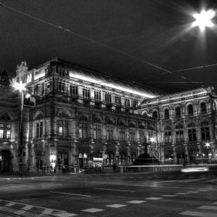 Viennese State Opera House at night