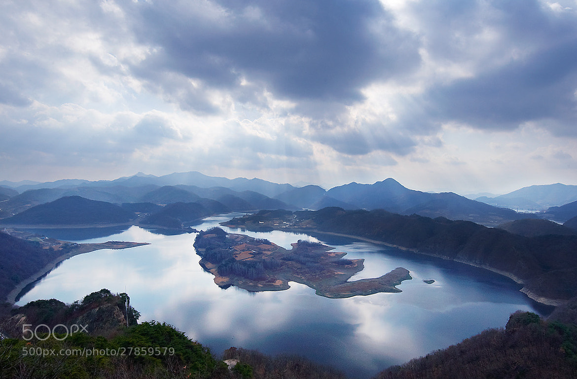 Photograph Fish island in the Lake by LEE INHWAN on 500px