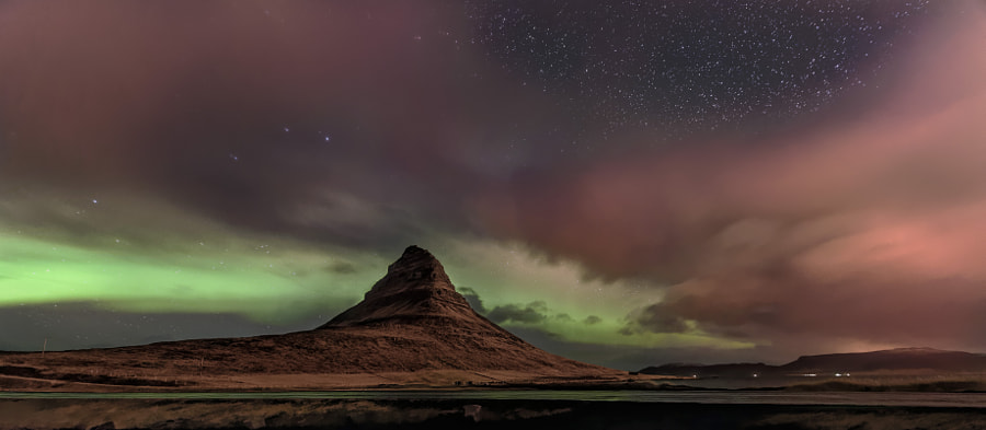 Aurora Over Kirkjufell by Jonathan Zdziarski on 500px.com